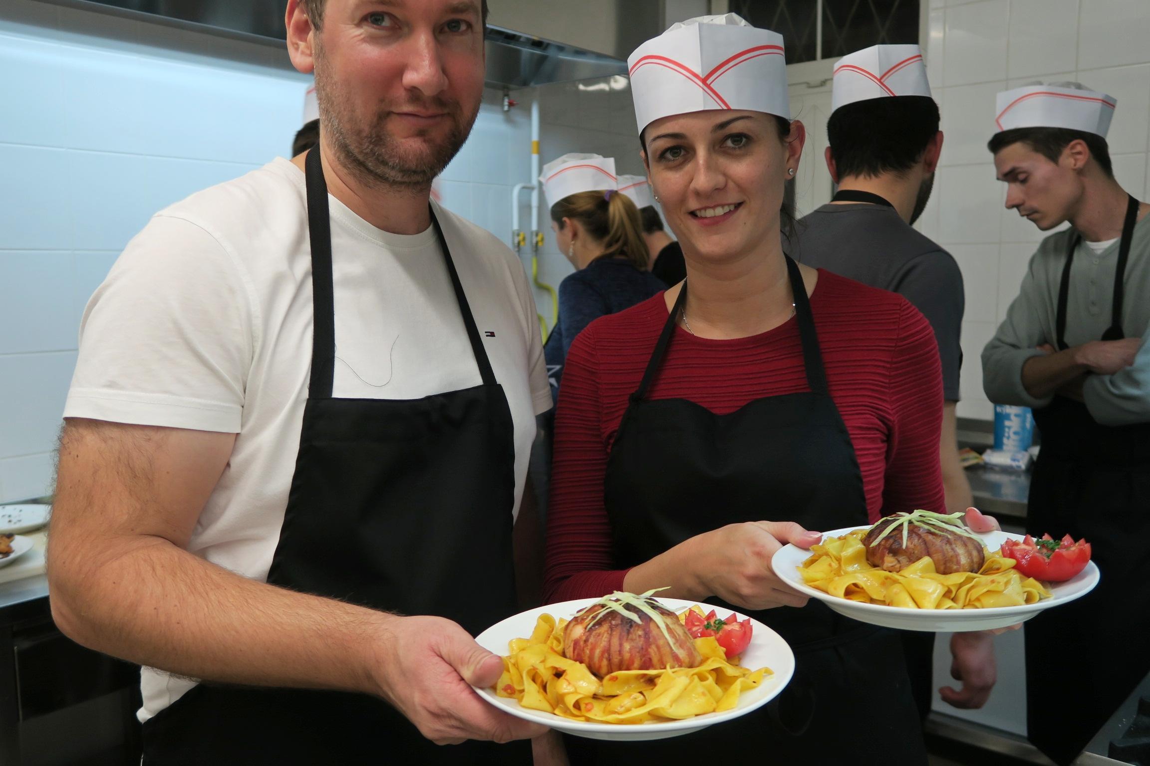 Csapatépítő főzés az Apáczai karon, 2015.11.09.